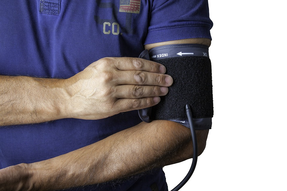 blood pressure monitor signs